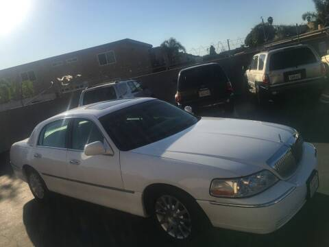 2006 Lincoln Town Car for sale at American Wholesalers in Huntington Beach CA