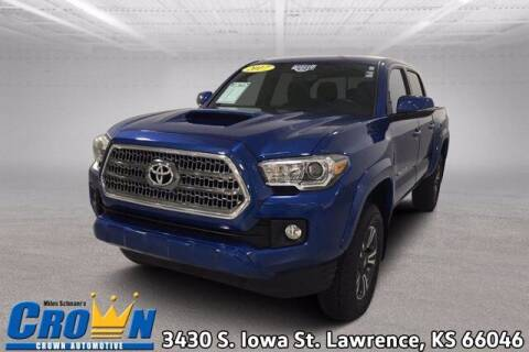 2017 Toyota Tacoma for sale at Crown Automotive of Lawrence Kansas in Lawrence KS