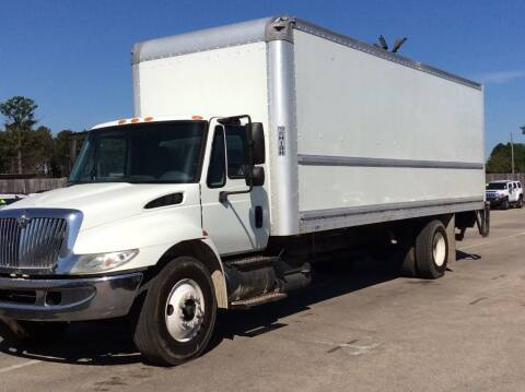 2007 International DuraStar 4300 for sale at OASIS PARK & SELL in Spring TX