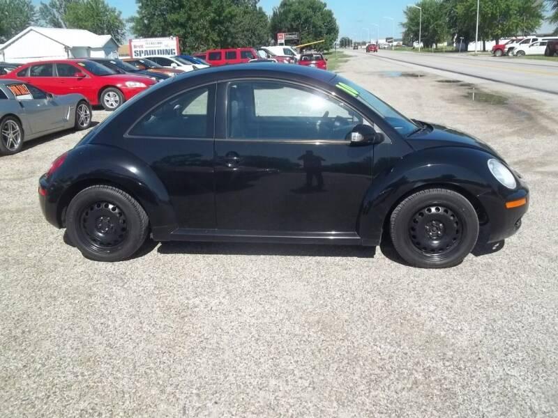 2010 Volkswagen New Beetle for sale at BRETT SPAULDING SALES in Onawa IA