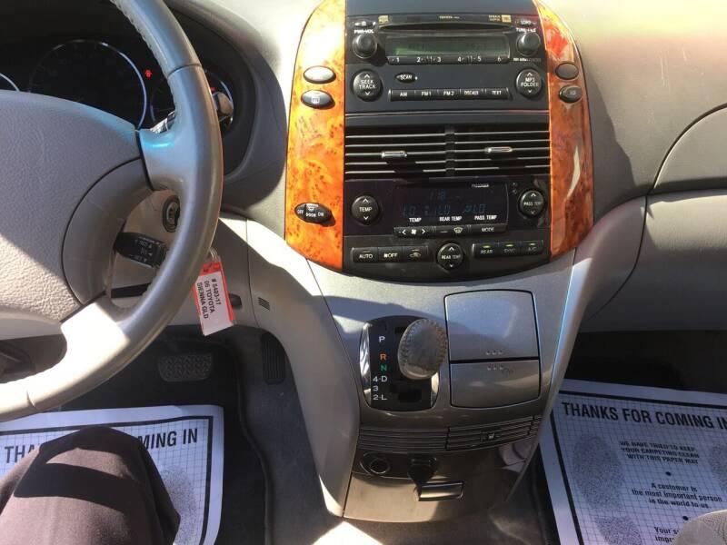 2006 Toyota Sienna XLE 7-Passenger 4dr Mini-Van - Douglasville GA
