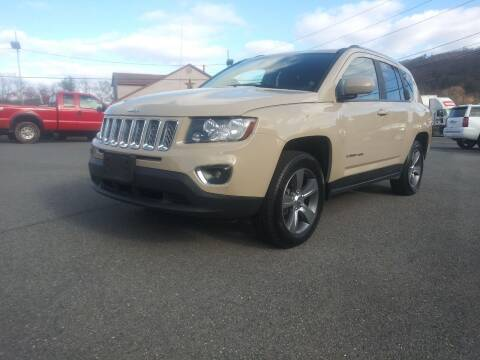 2017 Jeep Compass for sale at Mulligan's Auto Exchange LLC in Paxinos PA