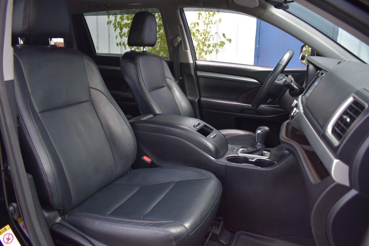 2016 Toyota Highlander XLE AWD 4dr SUV full