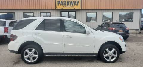 2008 Mercedes-Benz M-Class for sale at Parkway Motors in Springfield IL