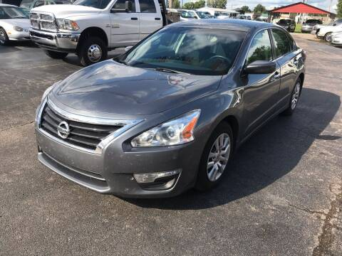 2014 Nissan Altima for sale at Sartins Auto Sales in Dyersburg TN