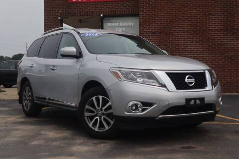 2014 Nissan Pathfinder for sale at Hobart Auto Sales in Hobart IN