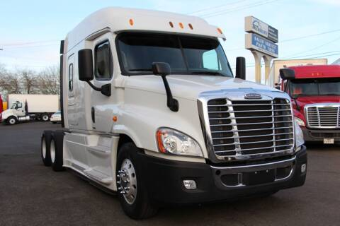 2014 Freightliner CASCADIA 125 SLEEPER for sale at Truck Source Inc. in Portland OR