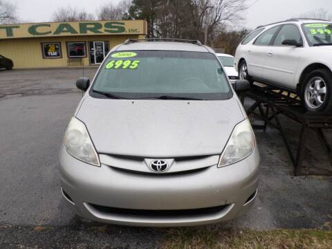 2006 Toyota Sienna for sale at Credit Cars of NWA in Bentonville AR