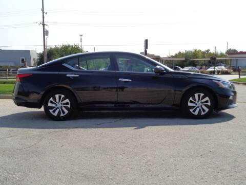 2019 Nissan Altima for sale at Midwest Autopark in Kansas City MO