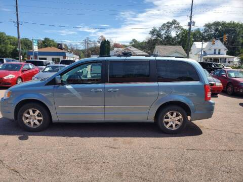 2009 Chrysler Town and Country for sale at RIVERSIDE AUTO SALES in Sioux City IA