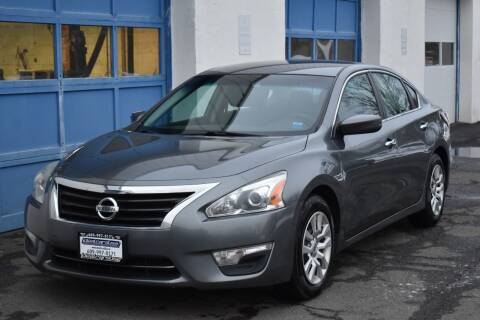 2015 Nissan Altima for sale at IdealCarsUSA.com in East Windsor NJ