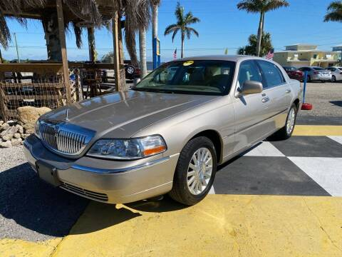 2003 Lincoln Town Car for sale at D&S Auto Sales, Inc in Melbourne FL