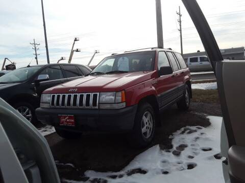 1994 Jeep Grand Cherokee for sale at BARNES AUTO SALES in Mandan ND