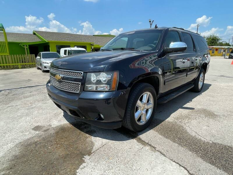 2013 Chevrolet Suburban for sale at RODRIGUEZ MOTORS CO. in Houston TX
