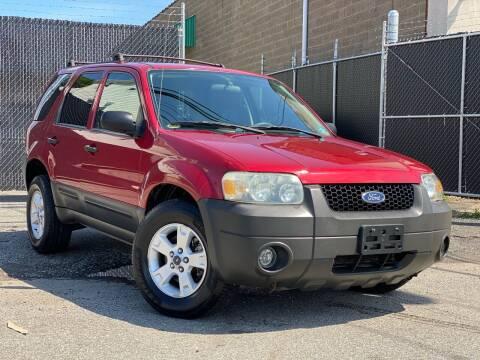2005 Ford Escape for sale at Illinois Auto Sales in Paterson NJ