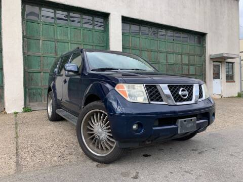 2007 Nissan Pathfinder for sale at Illinois Auto Sales in Paterson NJ