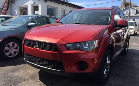 2011 Mitsubishi Outlander for sale at Jeff Auto Sales INC in Chicago IL