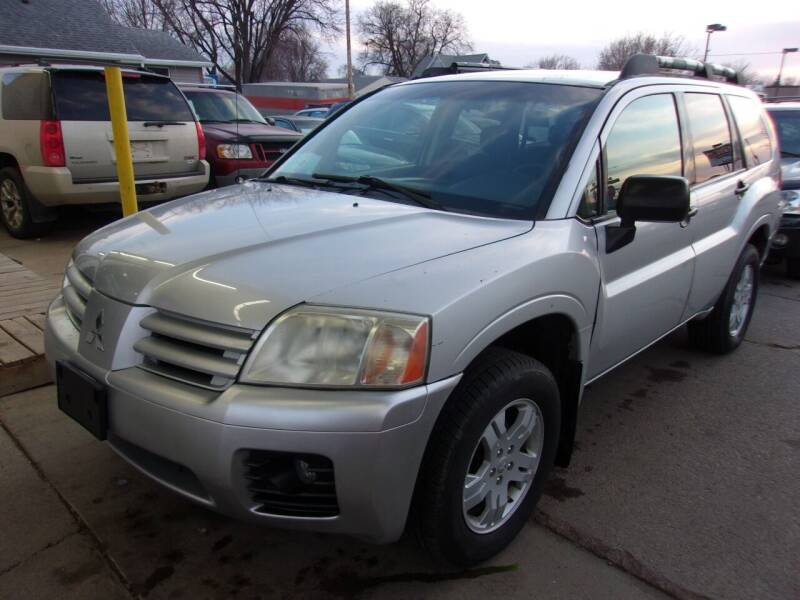 2007 Mitsubishi Endeavor for sale at World Wide Automotive in Sioux Falls SD