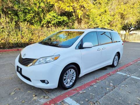 2011 Toyota Sienna for sale at DFW Autohaus in Dallas TX
