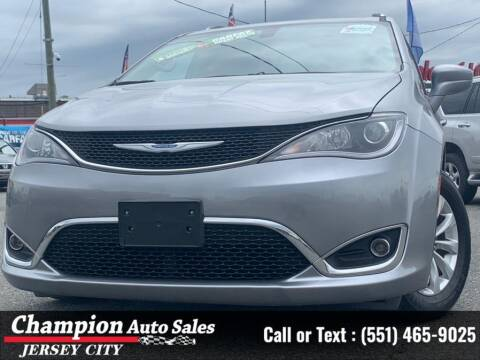 2018 Chrysler Pacifica for sale at CHAMPION AUTO SALES OF JERSEY CITY in Jersey City NJ