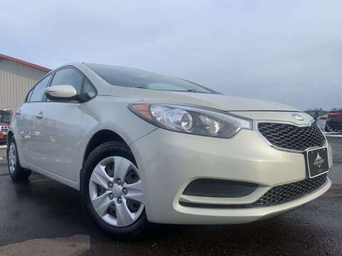2014 Kia Forte for sale at LUXURY IMPORTS in Hermantown MN