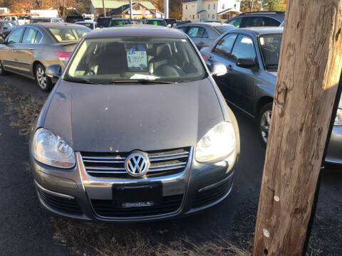 2010 Volkswagen Jetta for sale at Whiting Motors in Plainville CT