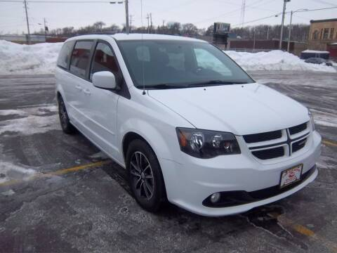 2017 Dodge Grand Caravan for sale at First Rate Motors in Milwaukee WI
