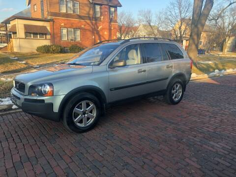 2004 Volvo XC90 for sale at RIVER AUTO SALES CORP in Maywood IL