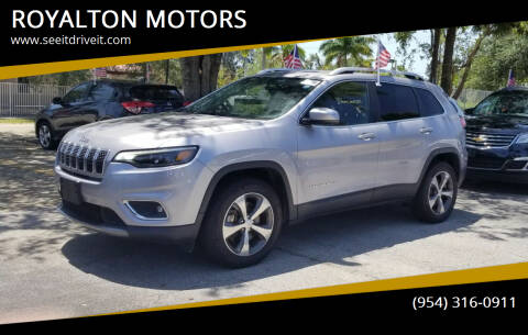 2019 Jeep Cherokee for sale at ROYALTON MOTORS in Plantation FL