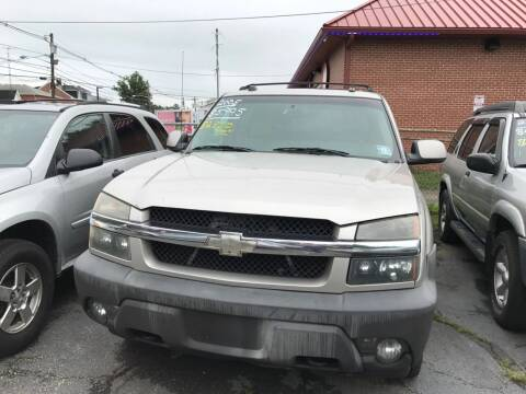 2005 Chevrolet Avalanche for sale at Chambers Auto Sales LLC in Trenton NJ