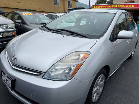 2006 Toyota Prius for sale at CARZ in San Diego CA
