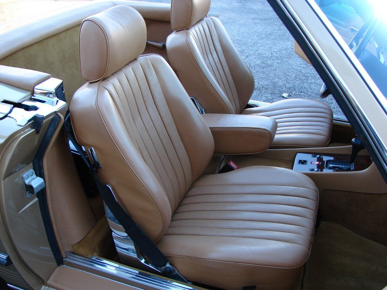 1986 Mercedes-Benz 560-Class 12