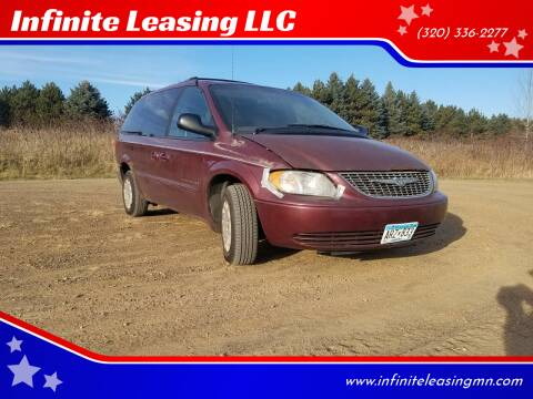 2001 Chrysler Town and Country for sale at Infinite Leasing LLC in Lastrup MN