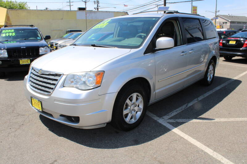 2010 Chrysler Town and Country for sale in Lodi, NJ