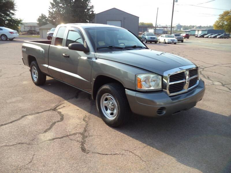 2006 Dodge Dakota 4WD ST 4dr Club Cab SB - Sioux City IA