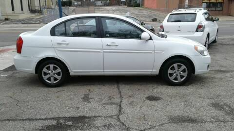 2009 Hyundai Accent for sale at Dave's Garage & Auto Sales in East Peoria IL