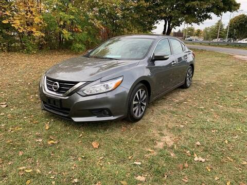 2017 Nissan Altima for sale at CItywide Auto Credit in Oregon OH