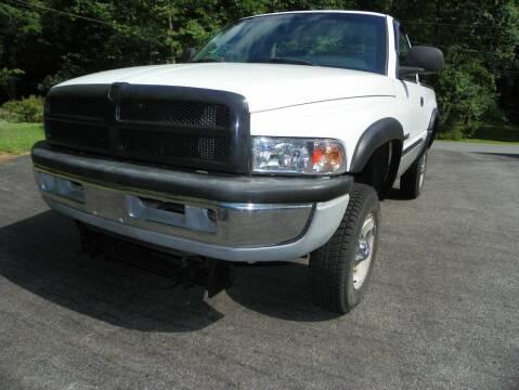 2001 Dodge Ram Pickup 1500 for sale at Ed Davis LTD in Poughquag NY