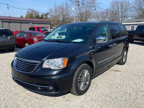 2014 Chrysler Town and Country for sale at Davidson Auto Deals in Syracuse IN