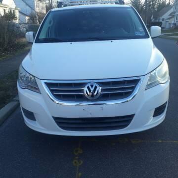 2010 Volkswagen Routan for sale at Premium Motors in Rahway NJ