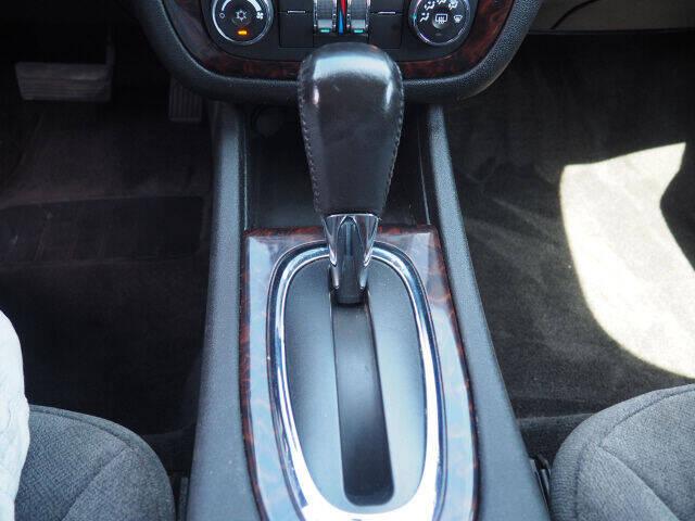 2013 Chevrolet Impala LT 4dr Sedan - Cortland OH