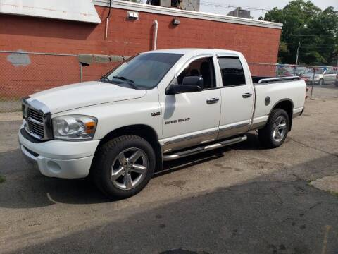 2007 Dodge Ram Pickup 1500 for sale at Topham Automotive Inc. in Middleboro MA