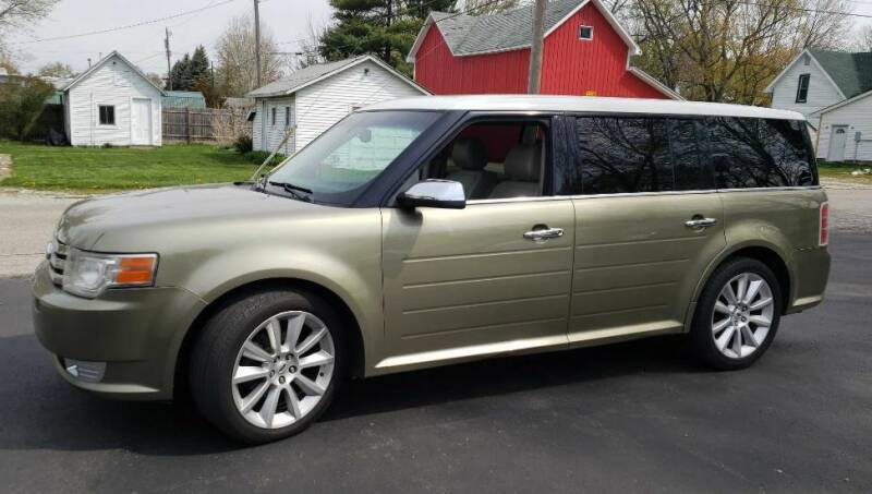 2012 Ford Flex for sale at The Car Mart in Milford IN