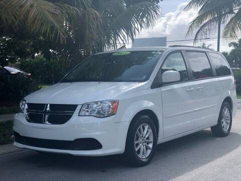 2015 Dodge Grand Caravan for sale at L G AUTO SALES in Boynton Beach FL