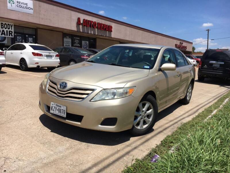 2011 Toyota Camry for sale at GOOLDCAR in Plano TX