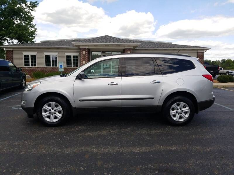 2009 Chevrolet Traverse for sale at Pierce Automotive, Inc. in Antwerp OH
