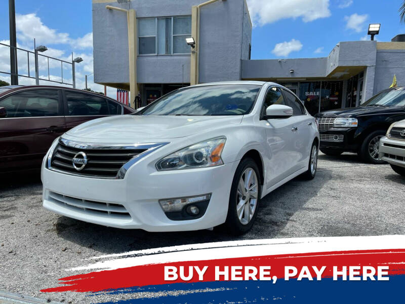 2013 Nissan Altima for sale at Global Auto Sales USA in Miami FL