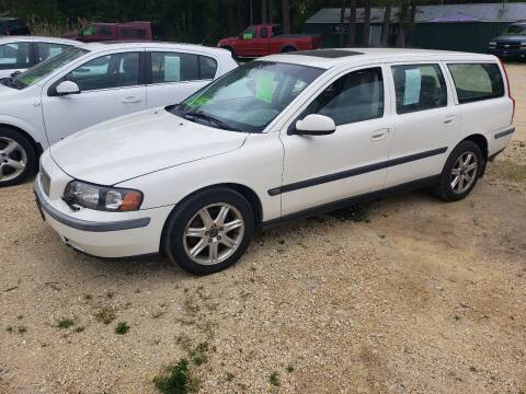 2002 Volvo V70 for sale at Northwoods Auto & Truck Sales in Machesney Park IL