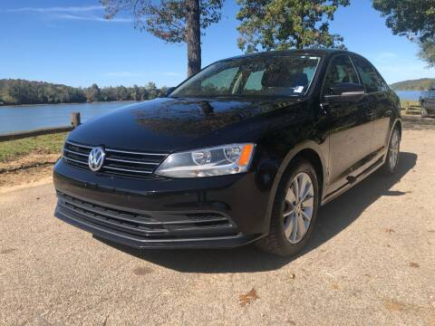2015 Volkswagen Jetta for sale at Monroe Auto's, LLC in Parsons TN