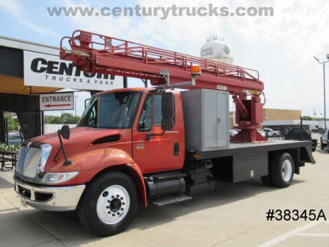 2003 International DuraStar 4300 for sale at CENTURY TRUCKS & VANS in Grand Prairie TX